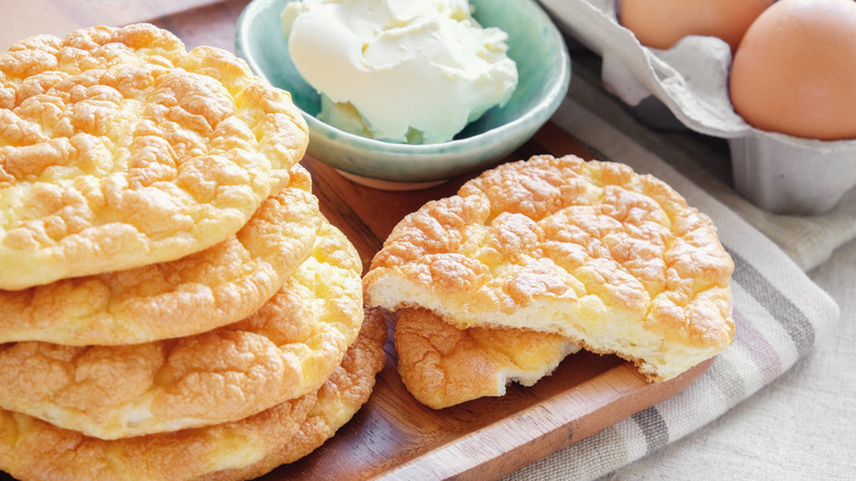 Cloud bread with eggs