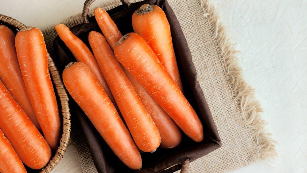 carrots basket