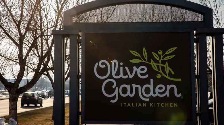 Olive Garden sign near roadway