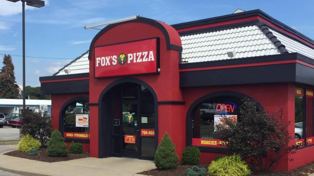 Fox's Pizza Den exterior