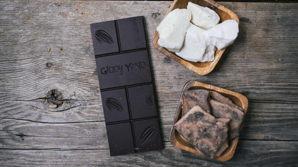 Giddy Yo chocolate bar unwrapped