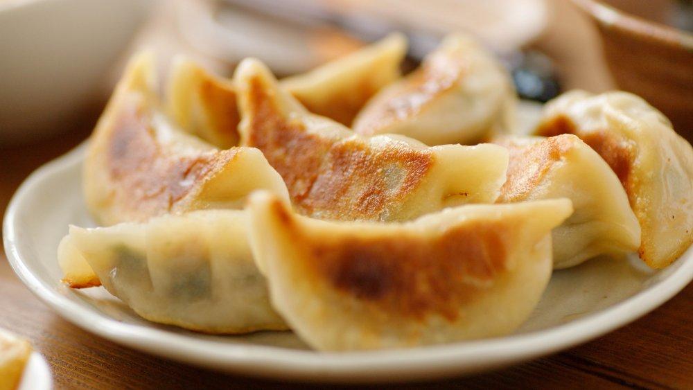 Steam-fried dumplings