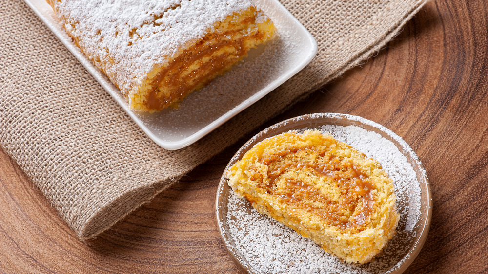 Jelly roll cake and slice