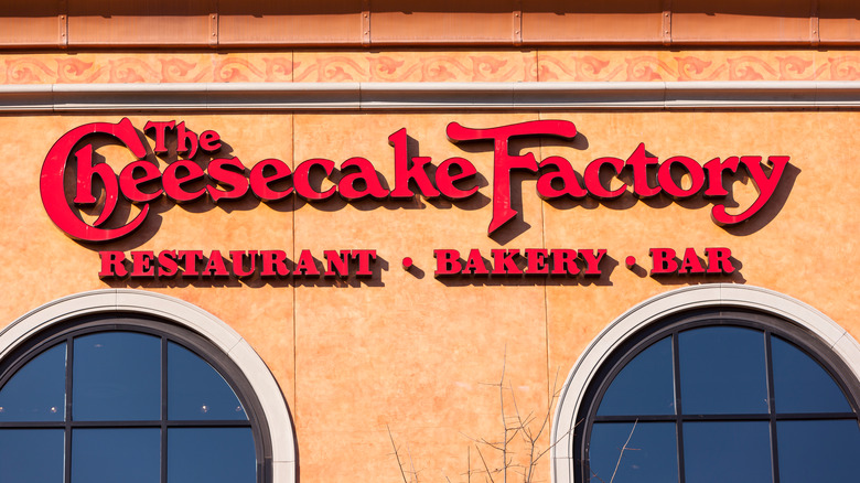 Outside of a Cheesecake Factory