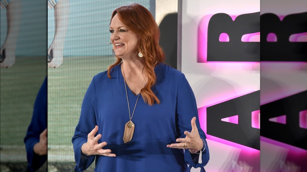Ree Drummond talking to an audience