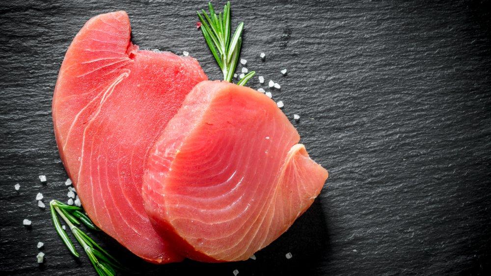 Raw tuna steaks with rosemary and sea salt