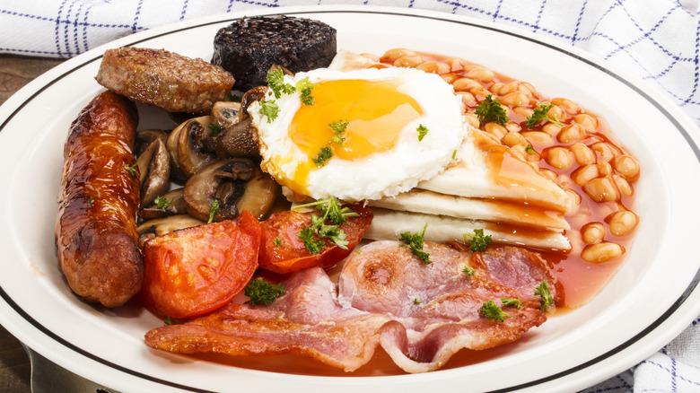 Full Irish Breakfast with tomatoes and mushrooms