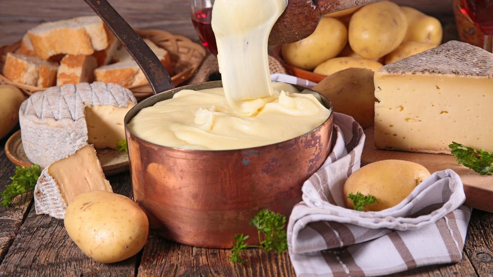 Cheesy potato aligot