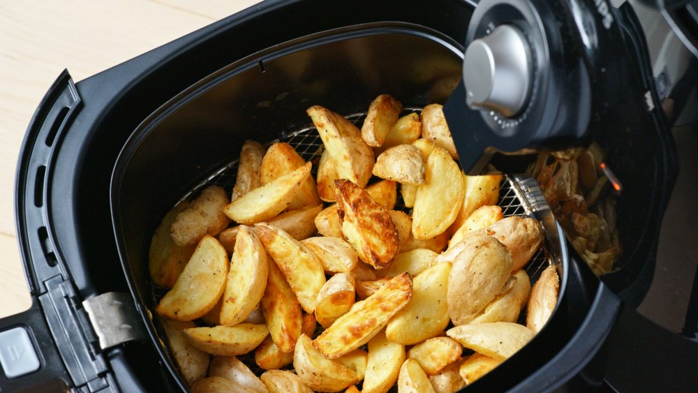 This Is What Happens When You Put Too Much Food In An Air Fryer