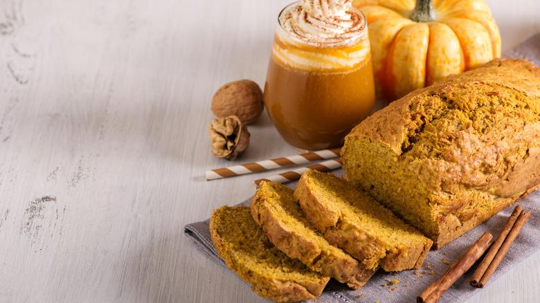 Pumpkin bread and pumpkin latte
