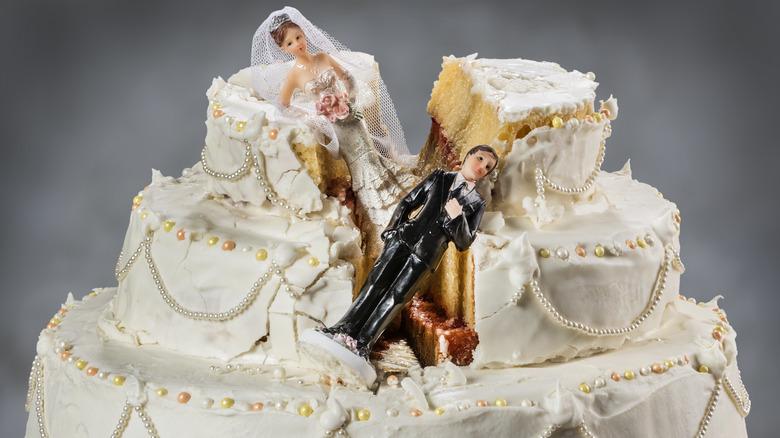 Collapsed wedding cake