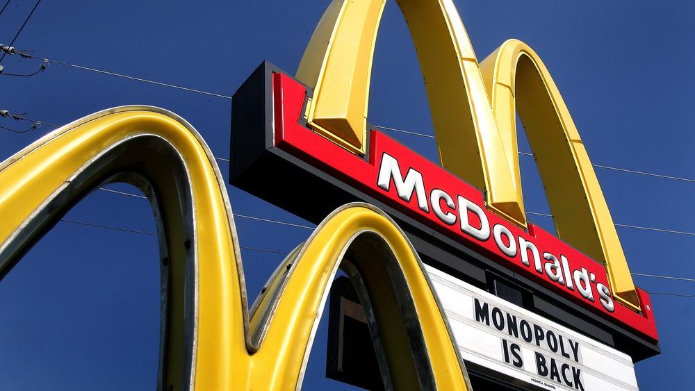 McDonald's, golden arches