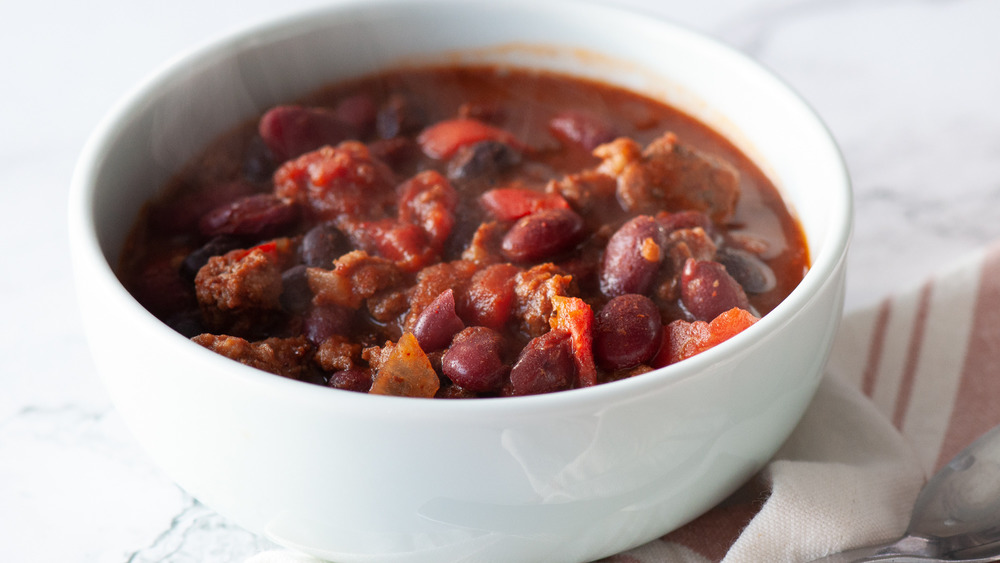 slow cooker chili recipe in bowl