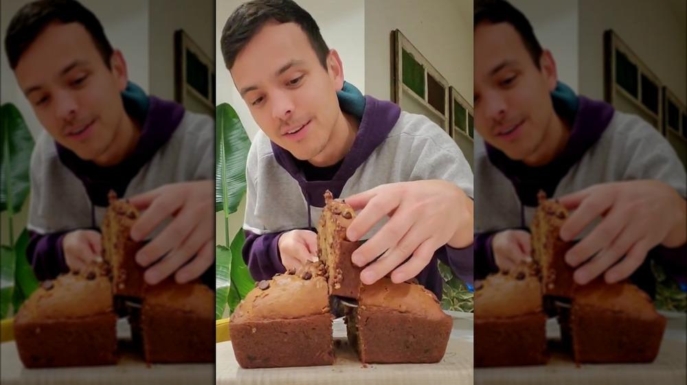 TikTok banana bread-cutting hack