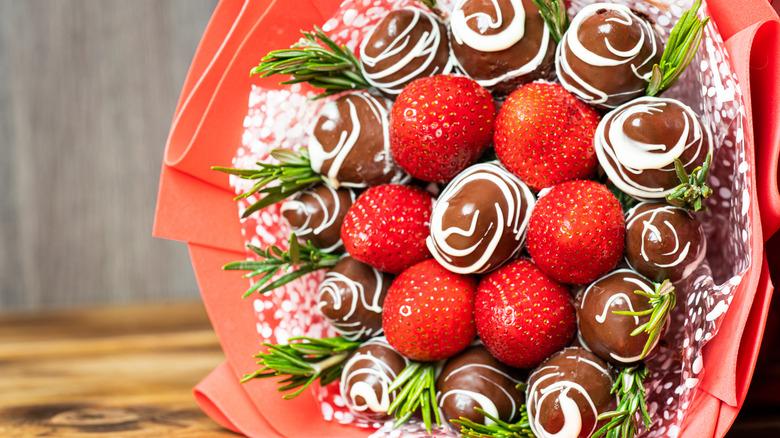 Edible Arrangements fruit bouquet