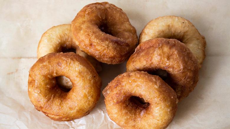 Classic cake donuts