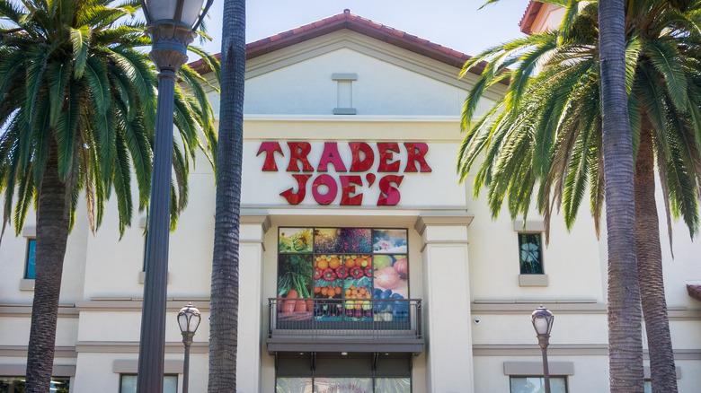 Palm trees flanking Trader Joe's