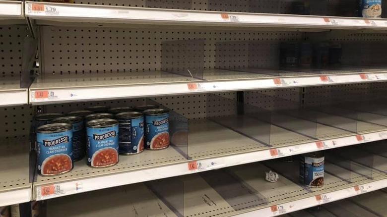 empty shelf with Manhattan clam chowder