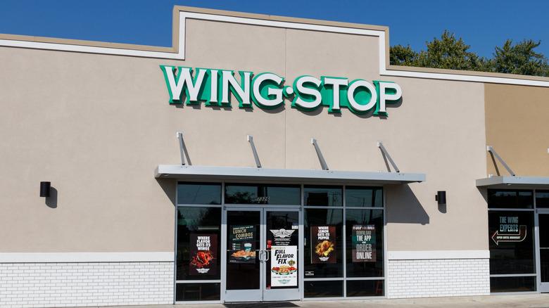 Wingstop restaurant exterior