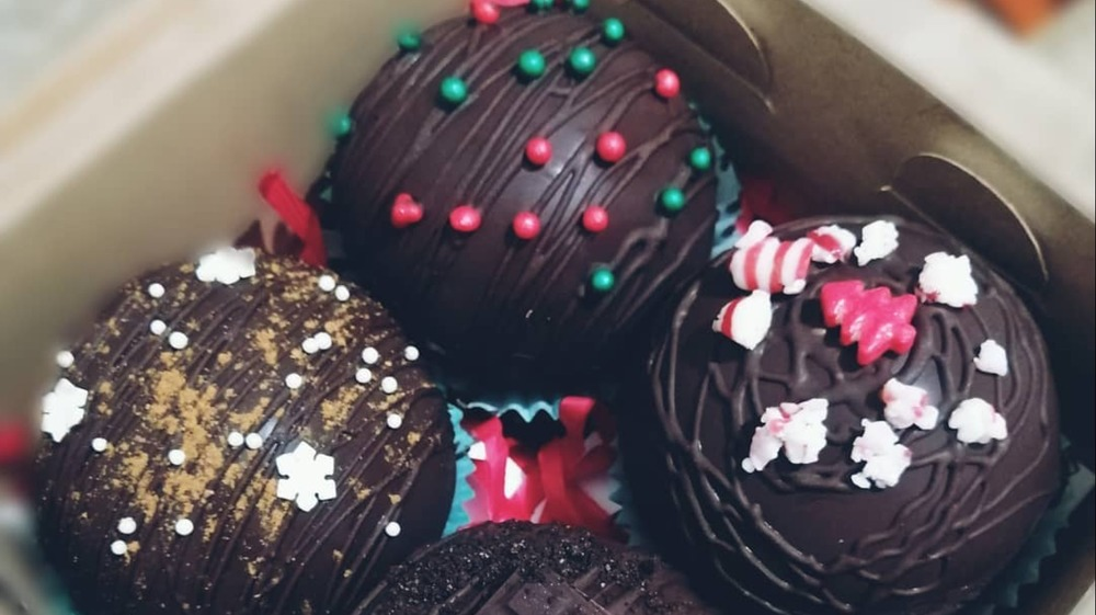 Gift box with decorated hot cocoa bombs