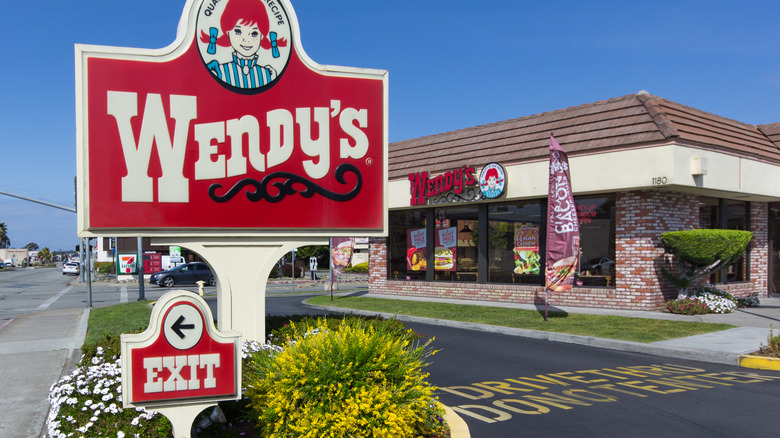 Wendy's sign and restaurant exterior