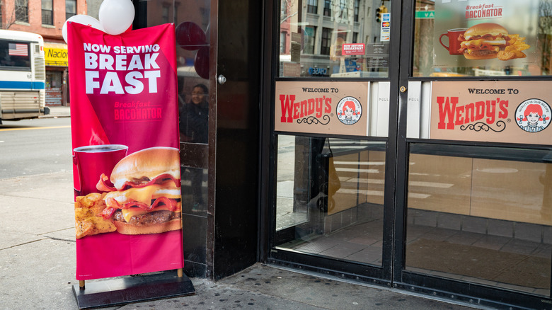Wendy's storefront with breakfast sign
