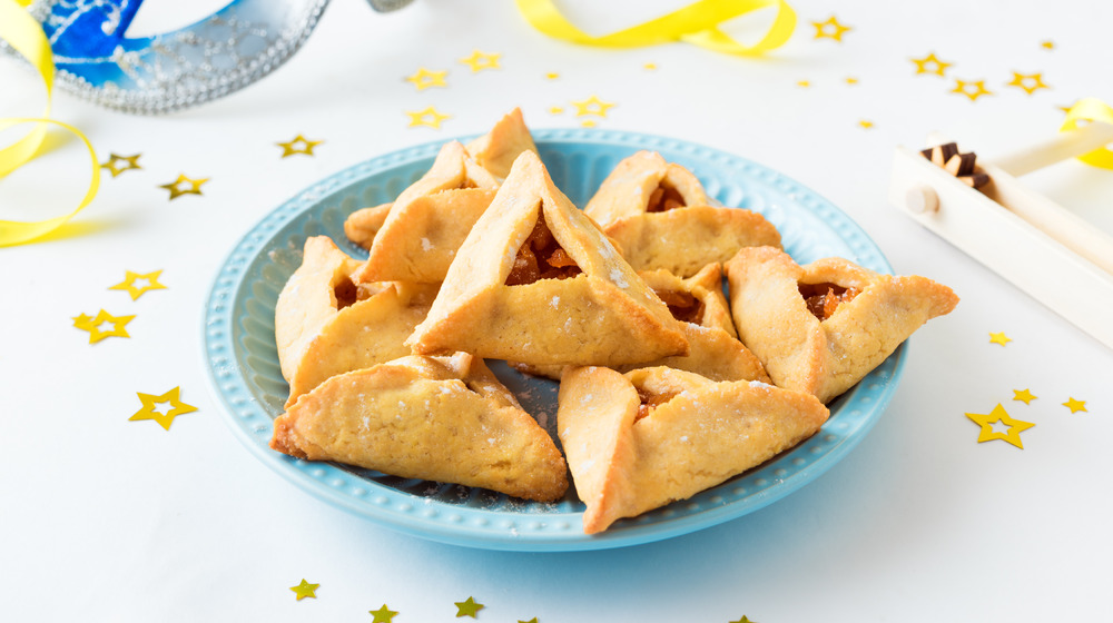 Plated hamantaschen for purim