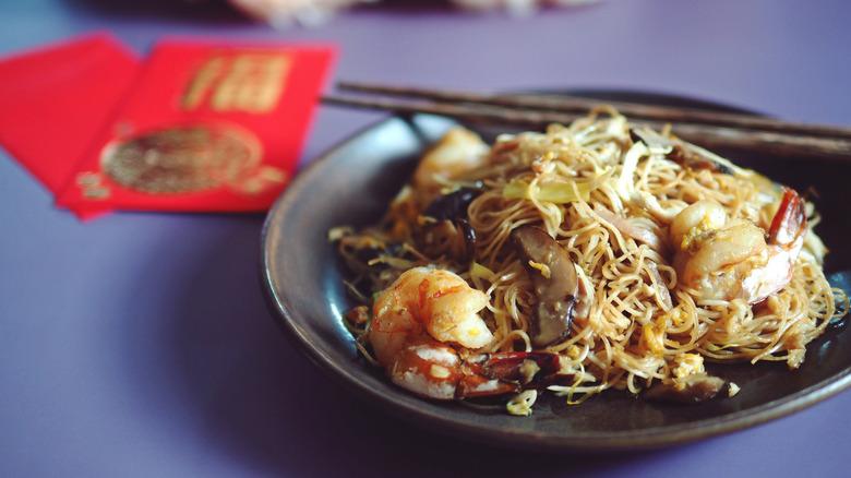 longevity noodles with shrimp
