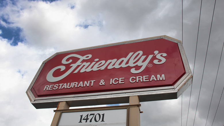 Friendly's sign