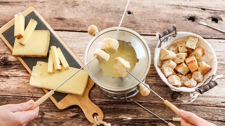 White fondue kit