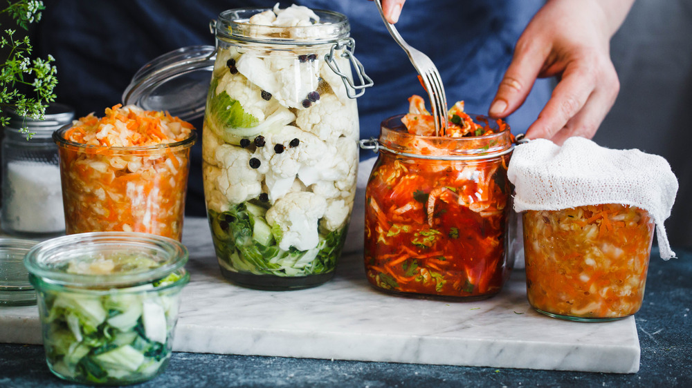 Fermenting cabbage in jars