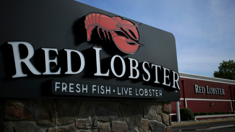 A Red Lobster sign