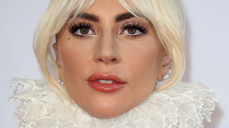 Lady Gaga lace collar