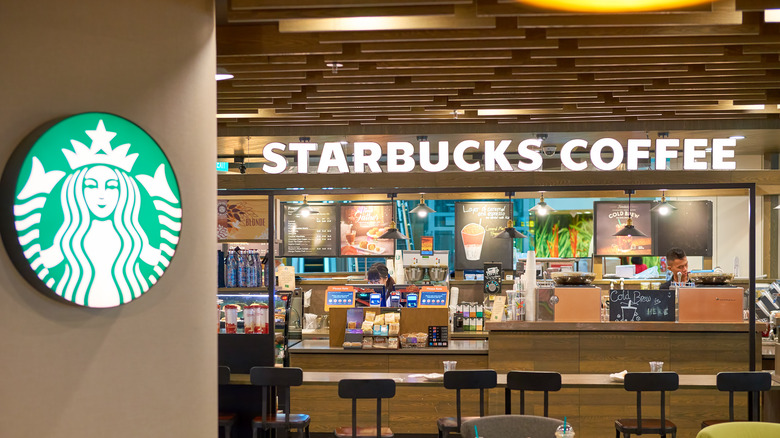 Starbucks outlet at Chiangi Airport