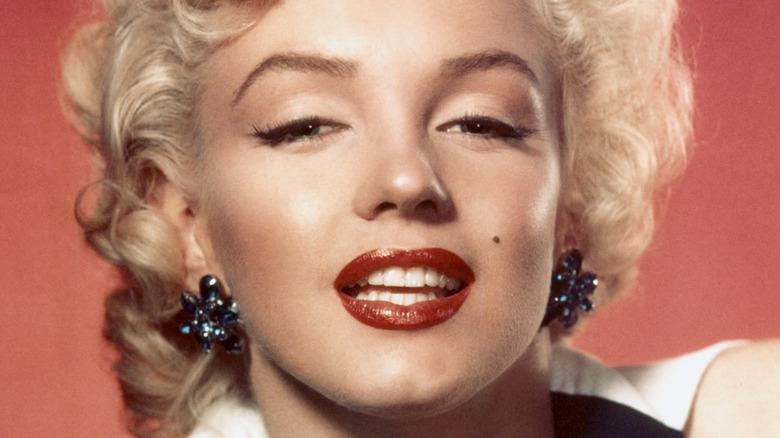 Marilyn Monroe wearing red lipstick