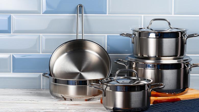 aluminum cookware on kitchen counter