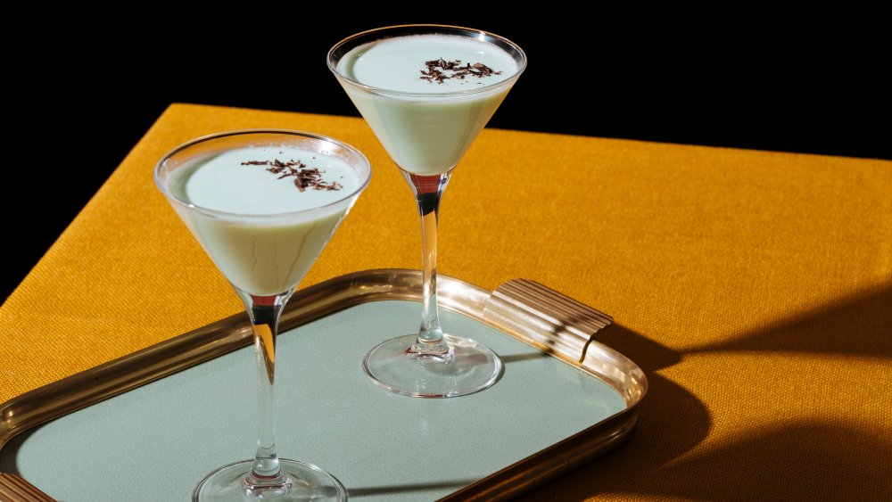 A tray of Grasshopper cocktails, which uses creme de cacao blanc