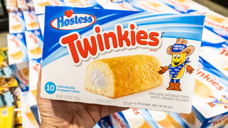 A package of Twinkies