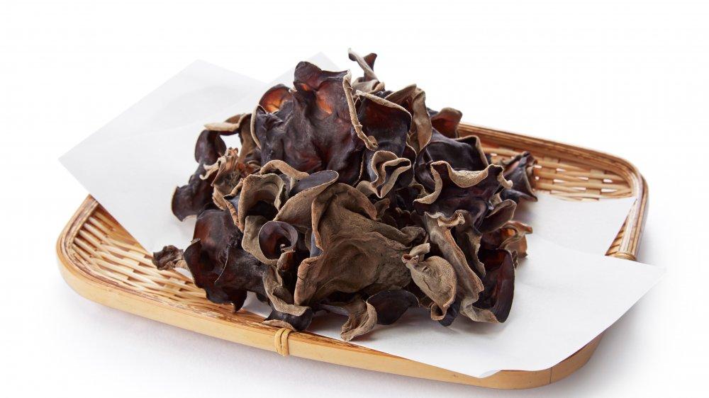 dried wood ear mushroom