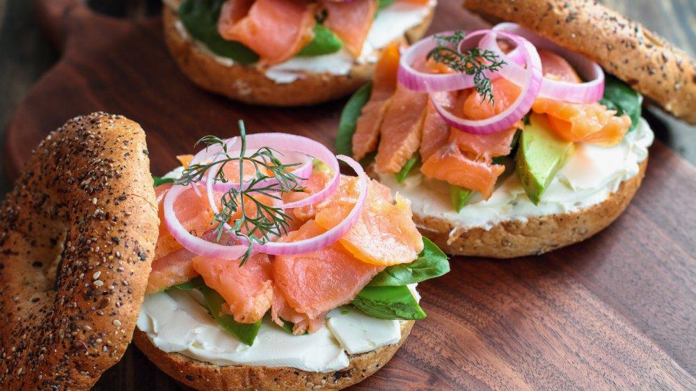 bagel, smoked salmon, nova salmon