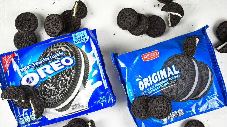 A page of Oreo cookies and Bentn's Original chocolate sandwich cookies