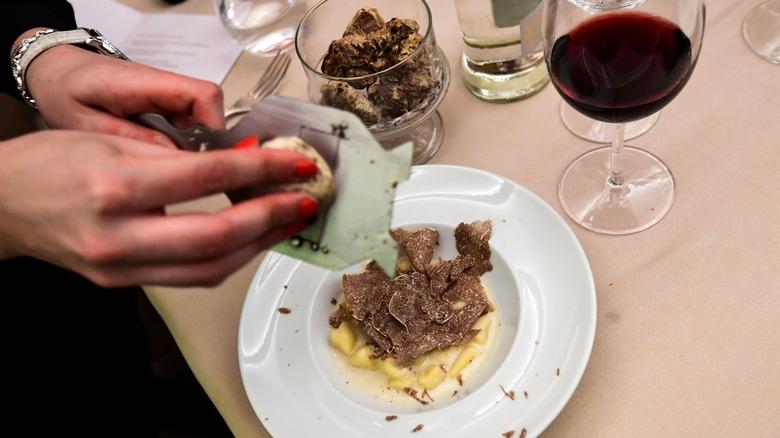 record breaking white truffles 2005