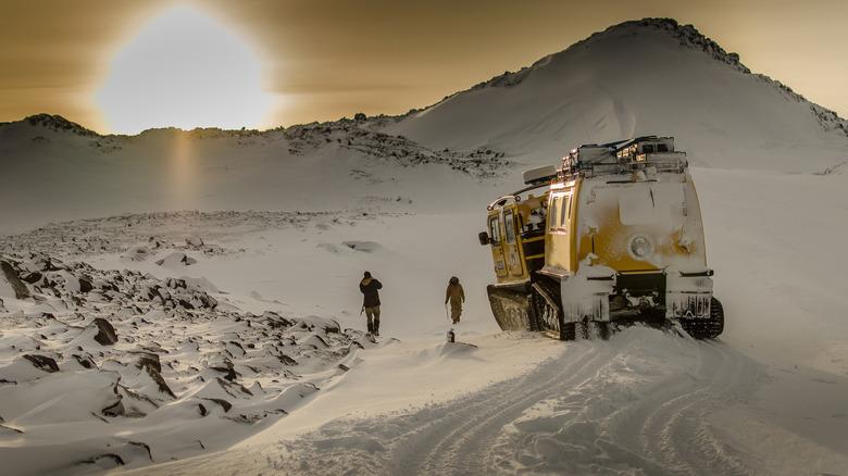 Antarctic expeditioners
