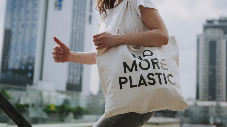 Young woman with eco bag