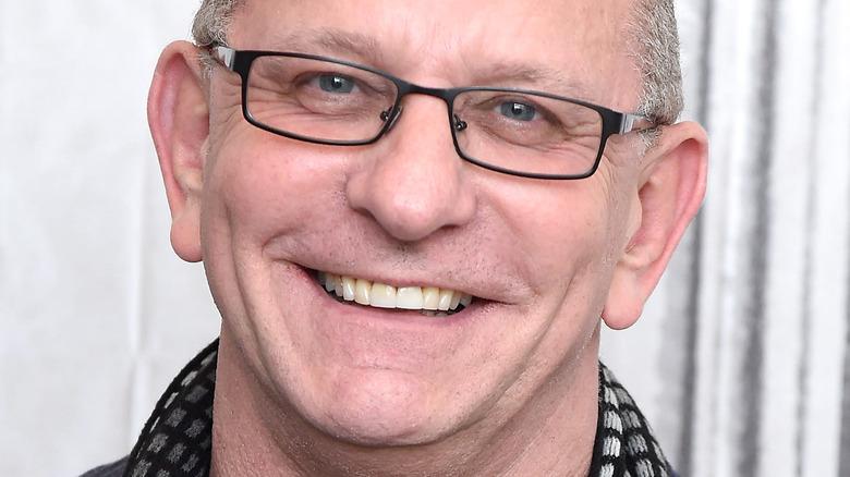 Robert Irvine smiling