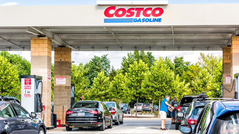 cars at Costco gas station