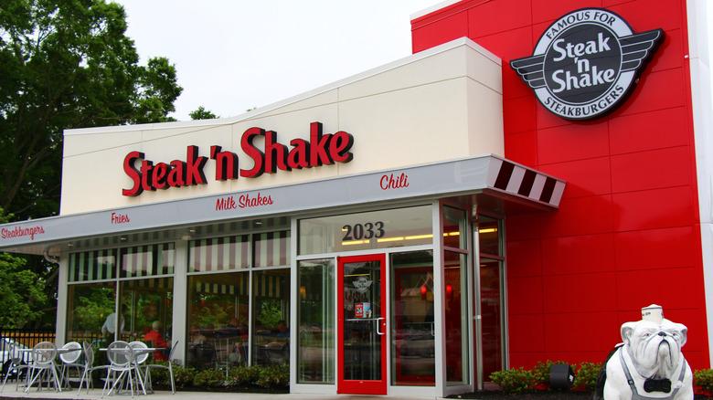 Steak 'n Shake store