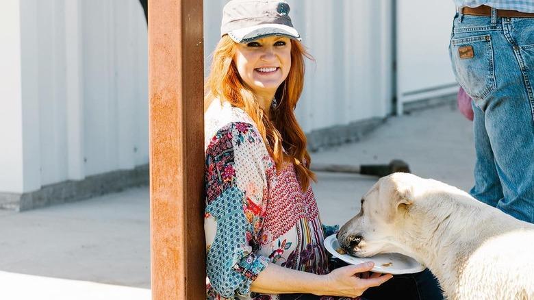 Rhee Drummond and dog