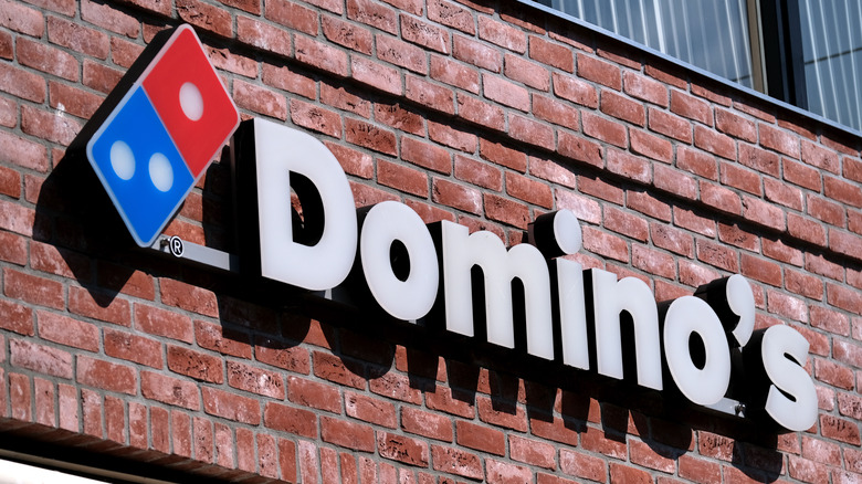 Domino's exterior sign