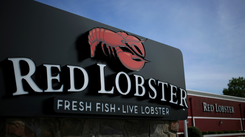 Outside of a Red Lobster location